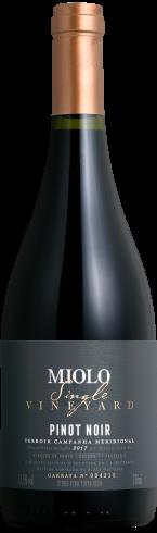 Garrafa de Pinot Noir